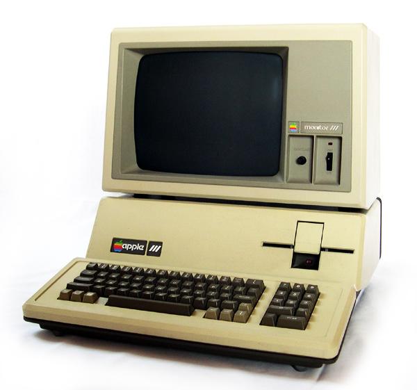 Apple /// (3/III) Vintage Computer (c1982)
