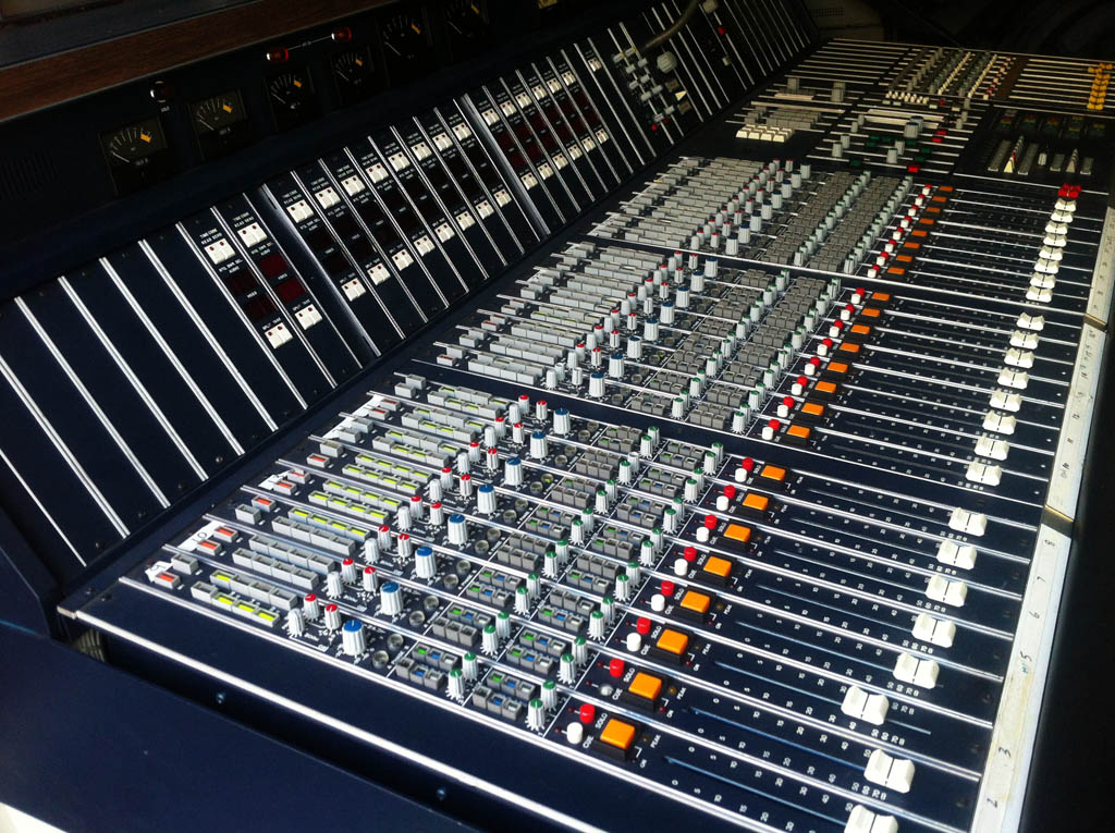 Radio Console Desk Mccurdy Mixing Console Desk