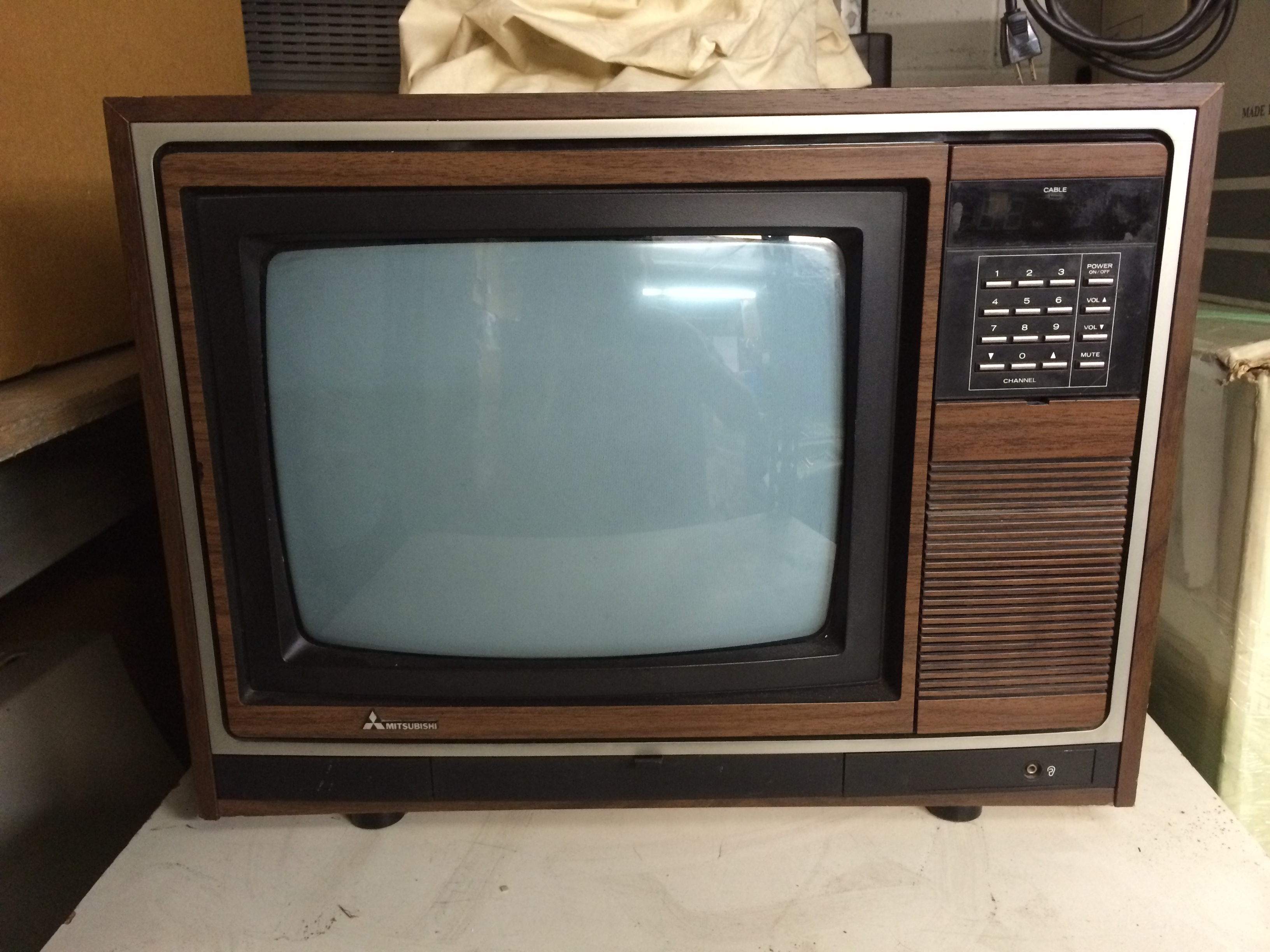Mitsubishi Woodgrain CRT Television